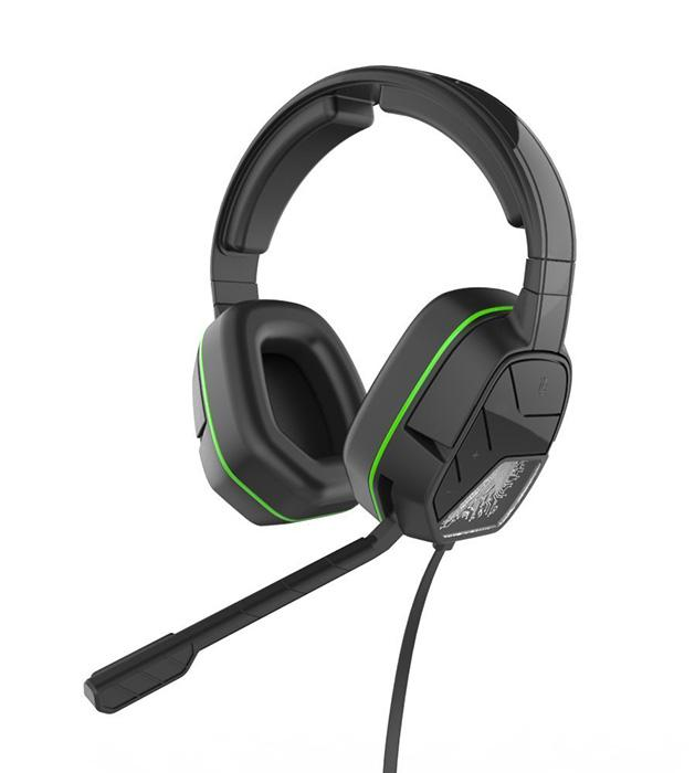 The EAR FORCE® Recon 50X is designed to connect directly to the new Xbox One controller with the mm headset jack, and to other Xbox One controllers via the EAR FORCE® Headset Audio Controller (sold separately).